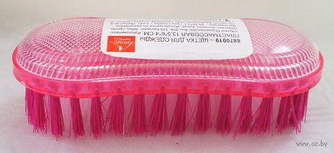 Щетка для одежды пластмассовая (135х60х40 мм)