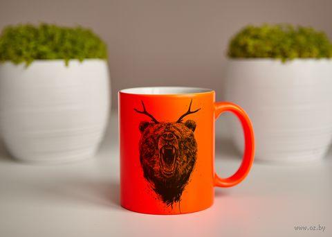 "Кружка ""Медведь с рогами"" (оранжевая) — фото, картинка"