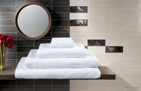 Полотенце махровое (70x140 см; белое) — фото, картинка