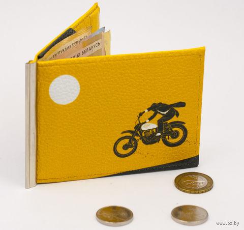 "Зажим для денег с монетницей ""Мотоциклист"" — фото, картинка"