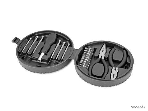 Набор инструментов в футляре в виде автомобильной шины (19 предметов)