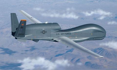 "Разведывательный БПЛА ""Drone RQ-4 Global Hawk"" (масштаб: 1/72) — фото, картинка"