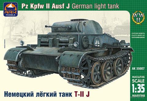 Немецкий легкий танк Pz.Kpfw.II Ausf.J (масштаб: 1/35)